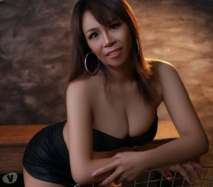 Hayet kinky escorts Glassmanor