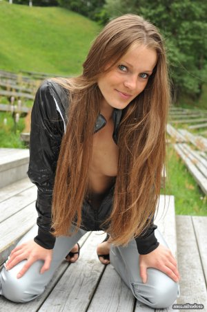 Nouheyla kinky classified ads Boulder